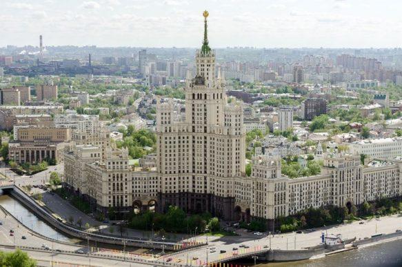 Квартиры с историей: сколько стоит пожить в «сталинке»