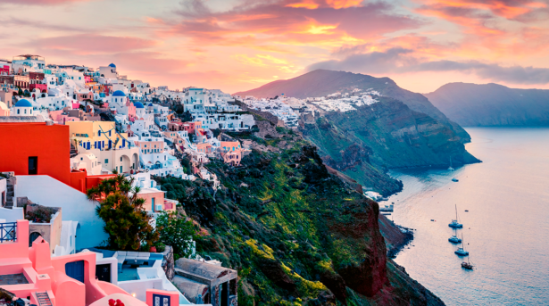 Не только Санторини. 9 греческих островов для летнего отдыха