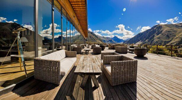 10 вдохновляющих отелей в горах России